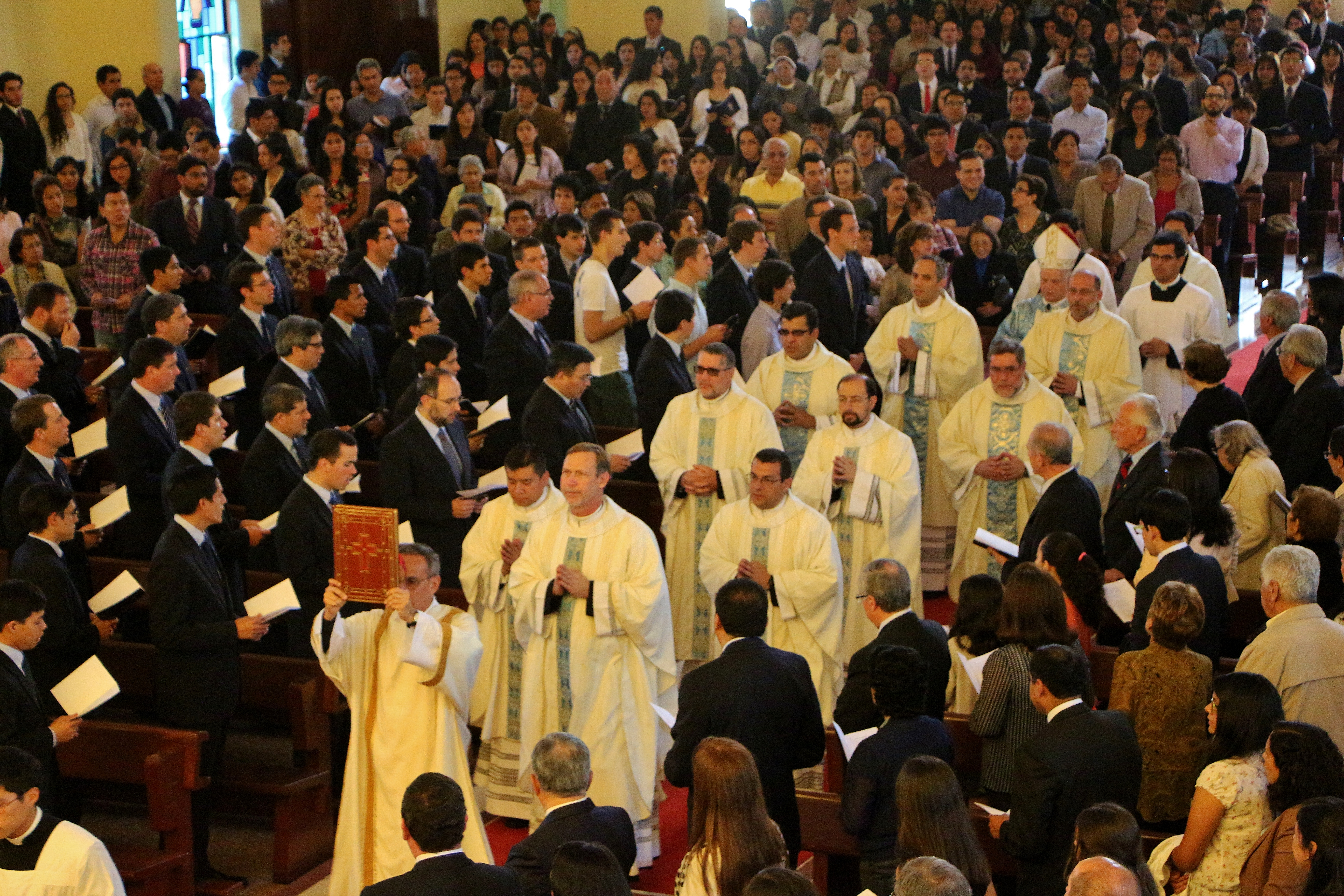 XLIV-Aniversario-del-Sodalicio-de-Vida-Cristiana-en-Lima-2015-3